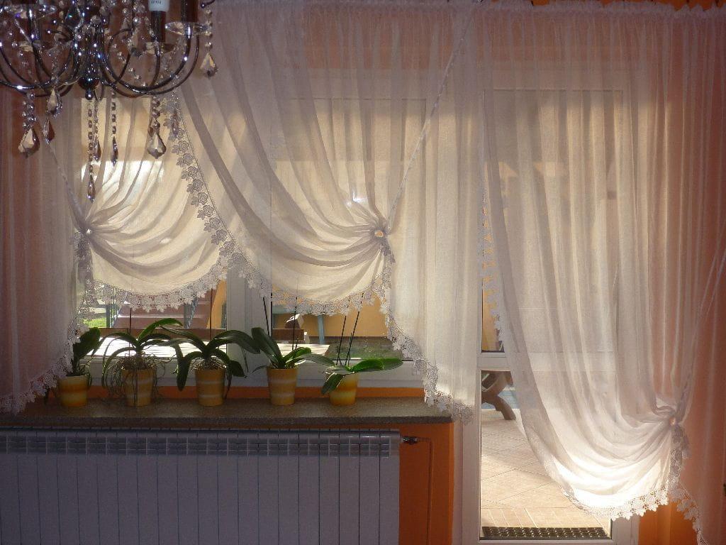 Gotowe Firany Do Salonu Na Balkon Z Woalu Kreszowanego Obszyte Gipiurą Karnisz Do 350 Cm
